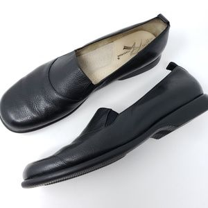 Ros Hommerson Flats 9S Extra Narrow Black Loafers